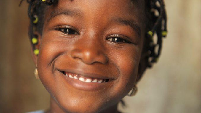 Aplicativo quer trazer vídeo de crianças aptas a adoção no RS