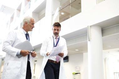 Hospital não pode pagar insalubridade proporcional a jornada reduzida de auxiliar de enfermagem
